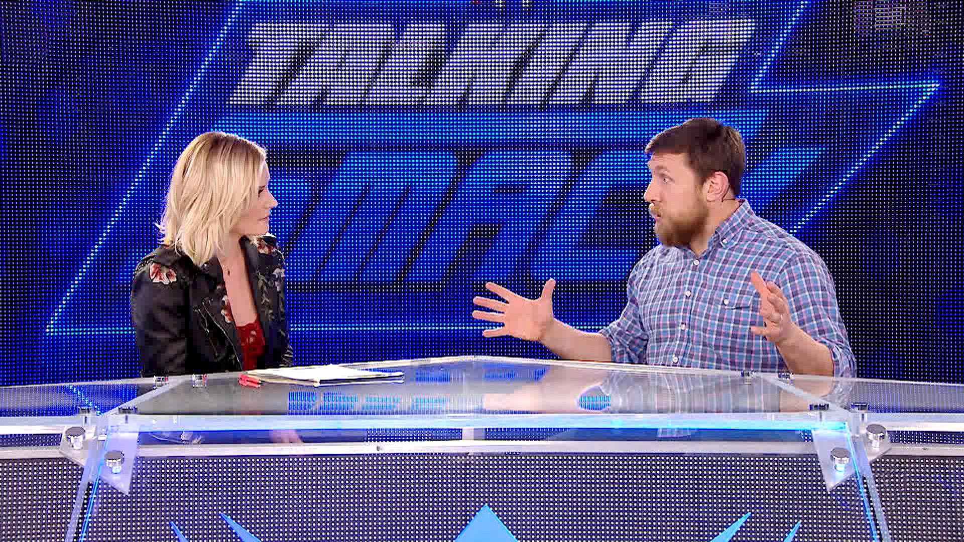 "Bryan hosts ""Smacking Talk"""