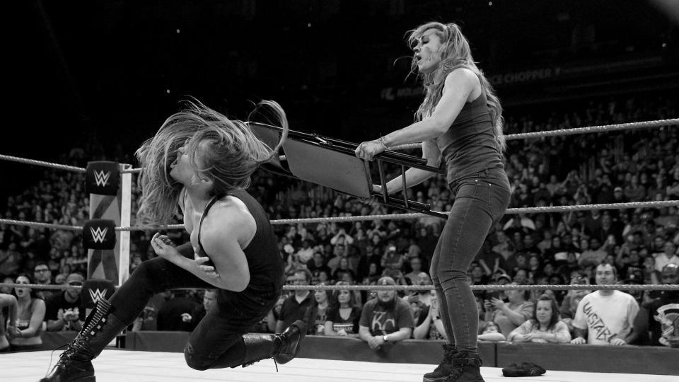 Becky Lynch broken face