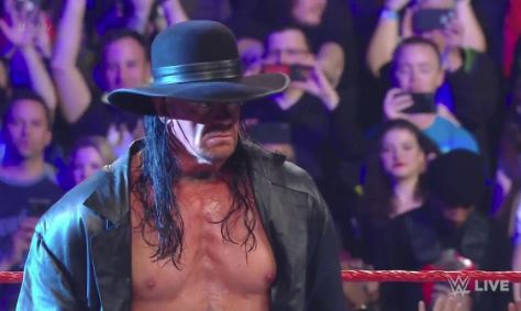 Undertaker returns to RAW