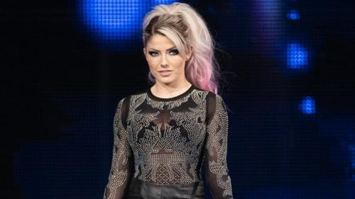 Alexa Bliss injured