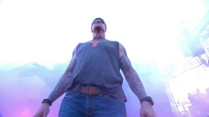 Undertaker appears on ESPN College GameDay