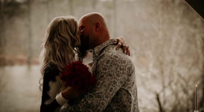 Luke Gallows apparently got married on Sunday, December 22