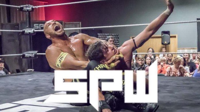 Wrestling with fans returning to New Zealand