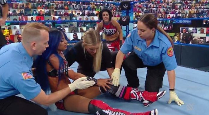 Bayley turns against Sasha Banks during SmackDown