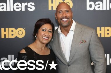 Video: The Rock performs Samoan dance with his mother